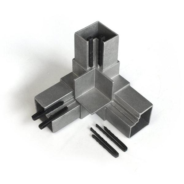 угловой соединитель из алюминия с фиксаторами из пластика